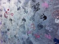 Les mains des passants