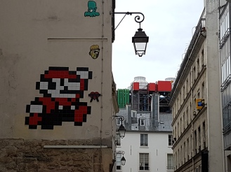 street art paris Invader 3