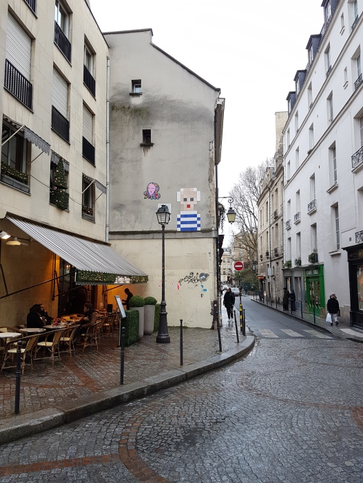 street art paris Invader 4