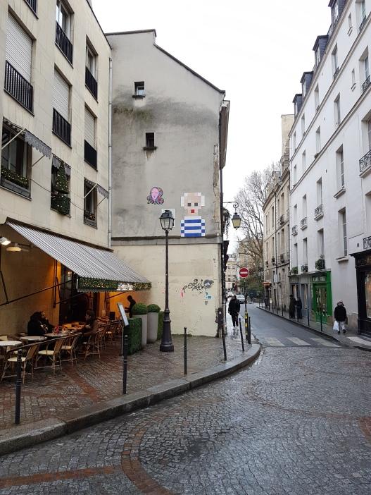 street art paris Invader 4
