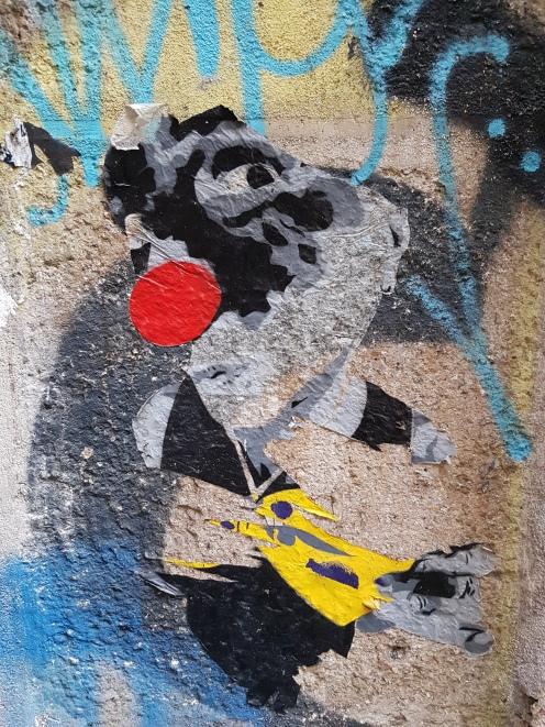 street art paris Mimi the Clown