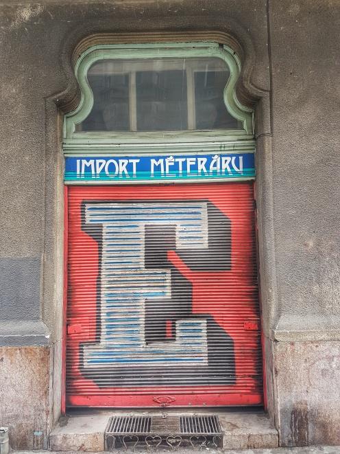 Street Art Budapest (10)